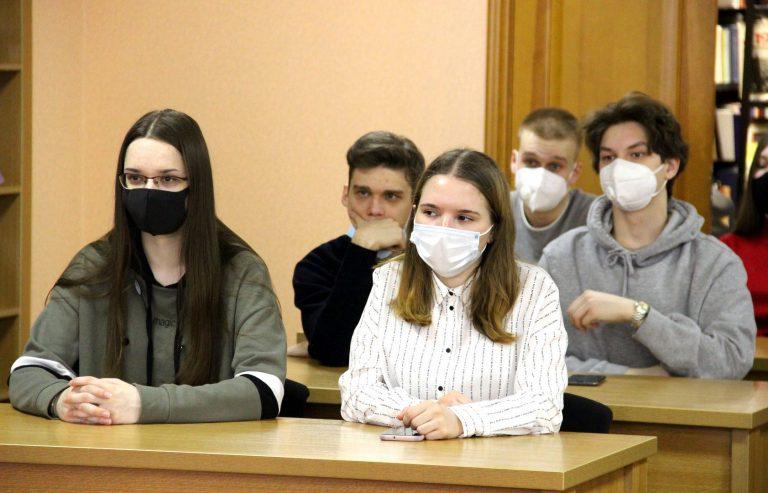 Российские и азиатские СМИ отметили объединяющую роль Школы молодых тюркологов и алтаистов
