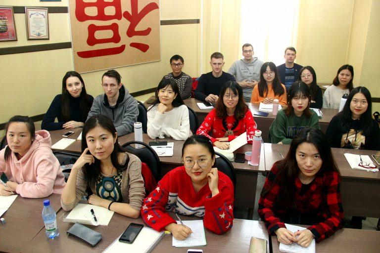 АлтГУ приступает к реализации трехъязычной образовательной программы с преподаванием японского языка